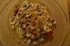 The house special at Il Birrino that has earned wide acclaim is the spaghetti with clams and cherry tomatoes. Barcelona Restaurants, Italian Market, Clams, Cherry Tomatoes, Paella, Tapas, Sushi, Seafood, Spaghetti