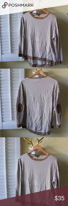🆕 Camel Striped Sweater W/ Suede Patches This super soft and cozy sweater has lovely detailing of suede elbow patches. It's brand new, never used. ❗️not madewell used based on similarity. Madewell Sweaters Crew & Scoop Necks