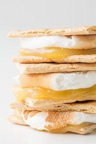 Lemon meringue pie smores. Must have these!