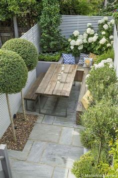 25+ Beautiful Garden Landscaping Ideas - Design Front and Backyard. Browse landscape design pictures, discover eight landscape design rules and get tips fromlandscape design experts. #modernlandscapedesign