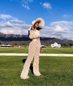 Best Fashion Looks From the Veuve Cliquot Masters Polo 2019 held in Cape Town, South Africa hosted by celebrity Nomzamo Mbatha Black Girl Fashion, Look Fashion, Vogue Fashion, High Fashion, Classic Outfits, Cute Outfits, Veuve Cliquot, Jumpsuit Images, Casual Outfits