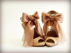 9957840b7dd3 Dove wore these heels to the Cloud 9 premiere. Badgley Mischka Ribbon Bow  Heels Sold Out