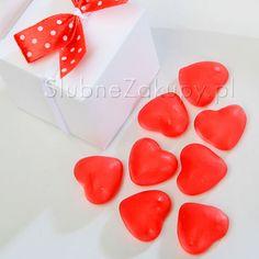 Słodkie serduszka dla gości to oryginalny upominek w podziękowaniu za przybycie! #kolekcjaslubna #slub #wesele #dekoracjeslubne #podziekowaniadlagosci #ślub #wedding #wesele #love #slub #pannamloda  #bride #slubnaglowie #pannamłoda #miłość #weddingday #sesjaslubna #weddinginspiration #slubneinspiracje Plastic Cutting Board, Tray, Trays, Board