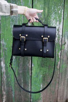 leather handbags and purses Fall Handbags, Handbags On Sale, Black Handbags, Luxury Handbags, Fashion Handbags, Black Leather Bags, Leather Purses, Leather Handbags, Soft Leather