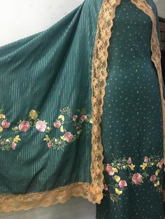 Punjabi Suits Party Wear, Indian Party Wear, Indian Wedding Outfits, Indian Outfits, Indian Clothes, Indian Wear, Embroidery Suits Punjabi, Embroidery Suits Design, Embroidery Fashion