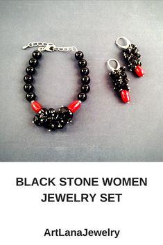 Beauty-gift black women jewelry set.  #blackjewelry #blackbracelets #blackarrings #blacktourmalinejewelry #blackonyxbracelets #redcoral #bohojewelry #artlanajewelry