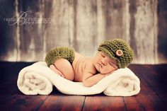 Newborn Photo Session Inspiration Posed Natural Beanie Hat Nappy Cover Green…