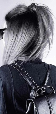 28 Amazing Gray Ombré Inspirations - Hair Colour Trends for 2019 Gray Ombré Silver graphite steel mother-of-pearl a tint of asphalt . All possible variations on the theme of gray are the main trend in colorin. Winter Hairstyles, Cool Hairstyles, White Blonde Bob, Best Hair Dye, Amazing Grays, Grey Wig, Dyed Gray Hair, Gray Silver Hair, Black And Grey Hair