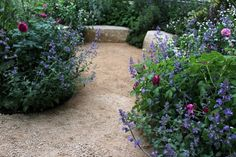 Chelsea Flower Show 2015. / The sunken garden in Jo Thompson's space, far enough from the other elements to feel separate and peaceful while somehow avoiding the feeling that there is too much going on. The seats are made from polished and rough Purbeck stone. /Kendra Wilson for Gardenista