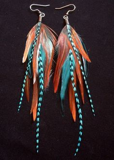 I remember wearing feather earrings similar to these back in the They looked cool with long hair and a brown suede cowboy style hat.my young and svelte years. 🙇 (I wouldn't trade my 62 year old self to go back though! Cute Jewelry, Boho Jewelry, Jewelry Crafts, Jewelry Accessories, Handmade Jewelry, Fashion Jewelry, Feather Jewelry, Feather Earrings, Body Adornment