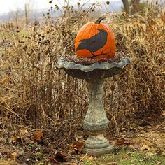 Raven HalloweenRoost