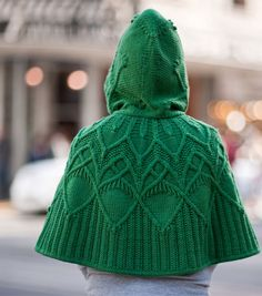 Boundless is worked from the front edge of the hood to the back, then grafted and edged in i-cord. Stitches are then picked up at the neck edge and the cape is worked down to the desired final length, finishing with i-cord again along the bottom. Knitted Poncho, Knitted Shawls, Hooded Poncho, Cape Pattern, I Cord, Knit Or Crochet, Shawls And Wraps, Knitting Projects, Ravelry
