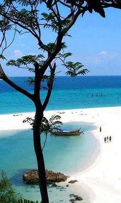 Koh Lipe, Satun - Thailand http://www.lazymillionairesleague.com/c/?lpname=enalmostpt&id=voudevagar&ad=