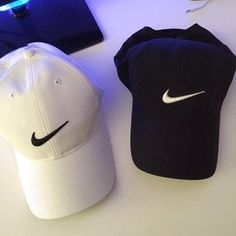 NIKE ROSHE RUN Super Cheap! Sports Nike shoes outlet, Press picture link get it immediately! not long time for cheapest Nike Free Shoes, Nike Shoes Outlet, Nike Outfits, Athletic Outfits, Athletic Wear, Athletic Shoes, Bone Da Nike, Fittness, Accesorios Casual