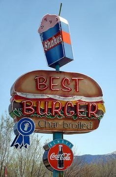 Best Burger Neon sign roadside nostalgia taking you back to a more peaceful time of America. Old Neon Signs, Vintage Neon Signs, Old Signs, Advertising Signs, Vintage Advertisements, Vintage Ads, Fast Food Design, Roadside Signs, Roadside Attractions