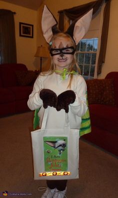 Adorable Skippyjon Jones costume - perfect for Halloween! Love that they included the character on the bag for easy recognition.