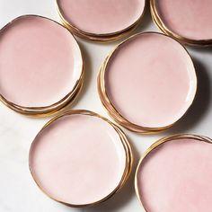 Pink and Gold Dessert Plates Ceramic Plates, Ceramic Pottery, Ceramic Art, Pottery Plates, Gold Set, Pink And Gold, Rose Gold, Gold Dessert, Home Crafts