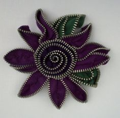 Purple and Purple Floral Brooch / Zipper Pin by Zip by ZipPinning https://www.etsy.com/nl/listing/29091031/purple-and-purple-floral-brooch-zipper