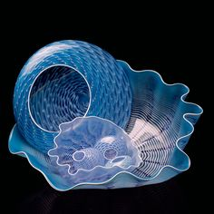 'Pale Blue Seaform set with astral white lip wraps' by Dale Chihuly.