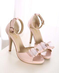 Gorgeous Pink Bow Design Sandals