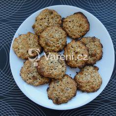 Zdravé žitné sušenky recept - Vareni.cz Cookies, Ethnic Recipes, Desserts, Diet, Crack Crackers, Tailgate Desserts, Deserts, Biscuits, Postres