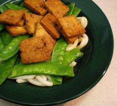Recette simple de lunch express : tofu, petit pois et nouilles udon. Par lavietoutsimplement.com