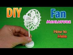 How to make a mini Pedestal Fan - Tutorial Simple Homemade Toys And Gifts Very easy crafts. 5 minute crafts for kids clay modelling for kids Hot glue crafts . Diy Dollhouse, Dollhouse Miniatures, Lego Friends Sets, Barbie Dolls Diy, Kids Clay, Diy Fan, Homemade Toys, Barbie Accessories, Mini Things