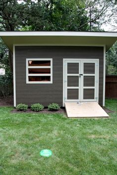 Modern Outdoor Shed: would make the perfect workspace for my furniture renovations!