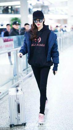 S. Style Korean Airport Fashion, Korean Girl Fashion, Ulzzang Fashion, Japanese Fashion, Neat Casual Outfits, Basic Outfits, Korean Outfits, Stylish Outfits, Fashion Idol