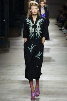 Dries Van Noten Spring 2016 Ready-to-Wear Fashion Show
