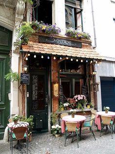 Mistral Coffee Shop, Antwerp Belgium.   La Bobo Photographe. : Most beautiful coffee shops around the world.