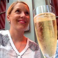Thank you for the lovely B-day wishes! I'm such a lucky girl! Kiitos ihanat synttärionnitteluista - vuodet ne tästä vaan paranee!  #bubbles #kohtineljääkymppiä #london #bday #charlottestreethotel #foreveryoung