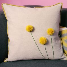 Step-by-Step: DIY Billy Ball Pillow By my buddy, @Brett Johnson Johnson Johnson Bara for @elise West elm    Put a pom on it!