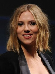 YES! Work that sloppy messy sexy hair, Scarlett. You are makingmy life so much easier by making this cool!  Scarlett Johansson Choppy Bob Hairstyle