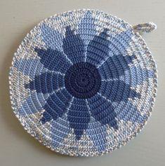 Diy Crochet, Crochet Doilies, Weaving Yarn, Tapestry Crochet, Purses And Bags, Diy And Crafts, Crochet Patterns, Cross Stitch, Knitting