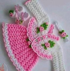 This post was discovered by Arja Kiviniitty. Discover (and save!) your own Posts on Unirazi. Crochet Baby Jacket, Crochet Baby Dress Pattern, Baby Dress Patterns, Baby Girl Crochet, Crochet For Kids, Crochet Potholder Patterns, Knitting Patterns, Crochet Hats, Crochet Doll Clothes