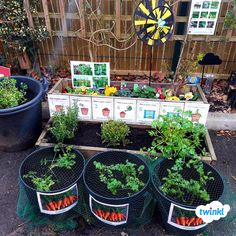 Outdoor Learning: Early Years Garden Area great for teaching children how to gro… - Modern Eyfs Classroom, Outdoor Classroom, Outdoor School, Eyfs Outdoor Area, Outdoor Play Areas, Preschool Garden, Sensory Garden, Garden Ideas Eyfs, Outdoor Learning Spaces
