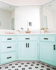 A '90s Bathroom Gets a Minty Fresh Update | Wayfair