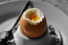 Vaječné bielka, žĺtka alebo celé vajcia? A ako často je pri naberaní svalov vajce najlepšie konzumovať?