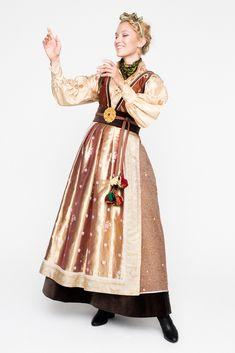 Folk Costume, Costumes, Pretty And Cute, Ethnic Fashion, Folklore, Fashion Accessories, Fashion Dresses, Scandinavian, Inspiration