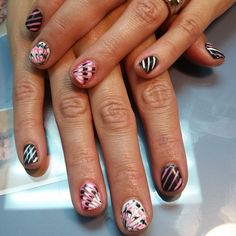 Super cool nail art on this gel manicure by Tearra at @SimpleSolitude in Vancouver, WA!