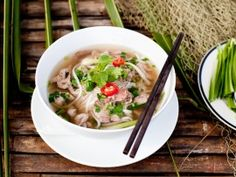 Recipe of Pho - Traditional Vietnamese cuisine and a delicious Vietnam Vietnamese Pho, Vietnamese Cuisine, Vietnamese Recipes, Vietnamese Restaurants, Slow Cooker Huhn, Slow Cooker Chicken, Slow Cooker Pho Recipe, Beef Recipes, Vegetarian Cooking