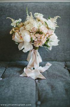 Je bent lekker aan het pinnen! Hier zijn 10 nieuwe pins voor je bord Witte Bruidsboeketten