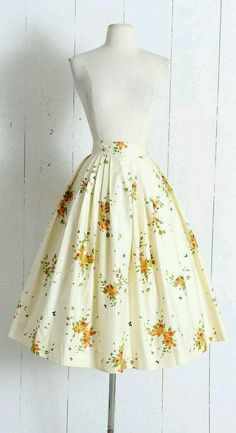 vintage dresses Vintage Skirt vintage novelty print floral We are want to say thanks if you like to share amp; Vintage Skirt vintage novelty print floral We are want to say thanks if you like to share amp; Mode Outfits, Fashion Outfits, Emo Fashion, Club Fashion, Dress Fashion, 50s Outfits, 1950s Fashion Dresses, Classy Fashion, College Outfits