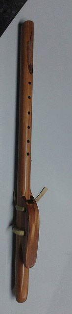 Flauta nativa americana. Todos los derechos reservados.