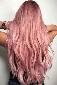 Pink- Rose gold ombre hair is a really big trend, and it seems to show no sign of fading away as the weather warms up. Here are some great colour combinations you can put with the stunning pinks to get that rose gold ombre hair. Gold Hair Colors, Hair Color Pink, Cool Hair Color, Hair Colour Ideas, Best Pink Hair Dye, Hair Colours 2018, Amazing Hair Color, Ombre Color, Cabelo Rose Gold