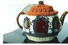 Carol's tea cosy; photo other side, via Flickr.
