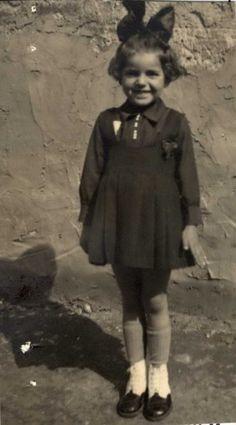 Innocent Girl, Never Again, Losing A Child, Weird World, Photo Archive, Historical Photos, World War Ii, Memories, Kids