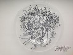 Мастер-класс по витражной росписи: Декорируем стеклянную тарелку. Цветочный узор.