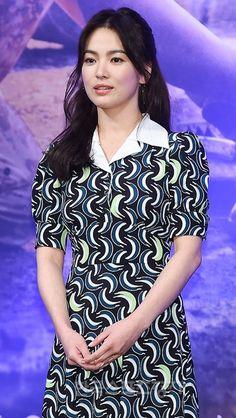한류스타 송혜교가 KBS 드라마를 일으키는 전문가로 인정받았다.송혜교는 KBS2 수목극 '태양의 후예'로 30% 가까운 시청률을 일으키며 KBS...